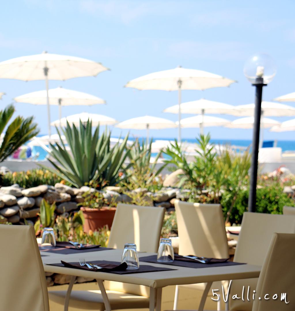 Mediterraneo Restaurant And Beach